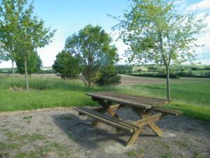 Table sentiers de Randonnée à Selles-Sur-Nahon